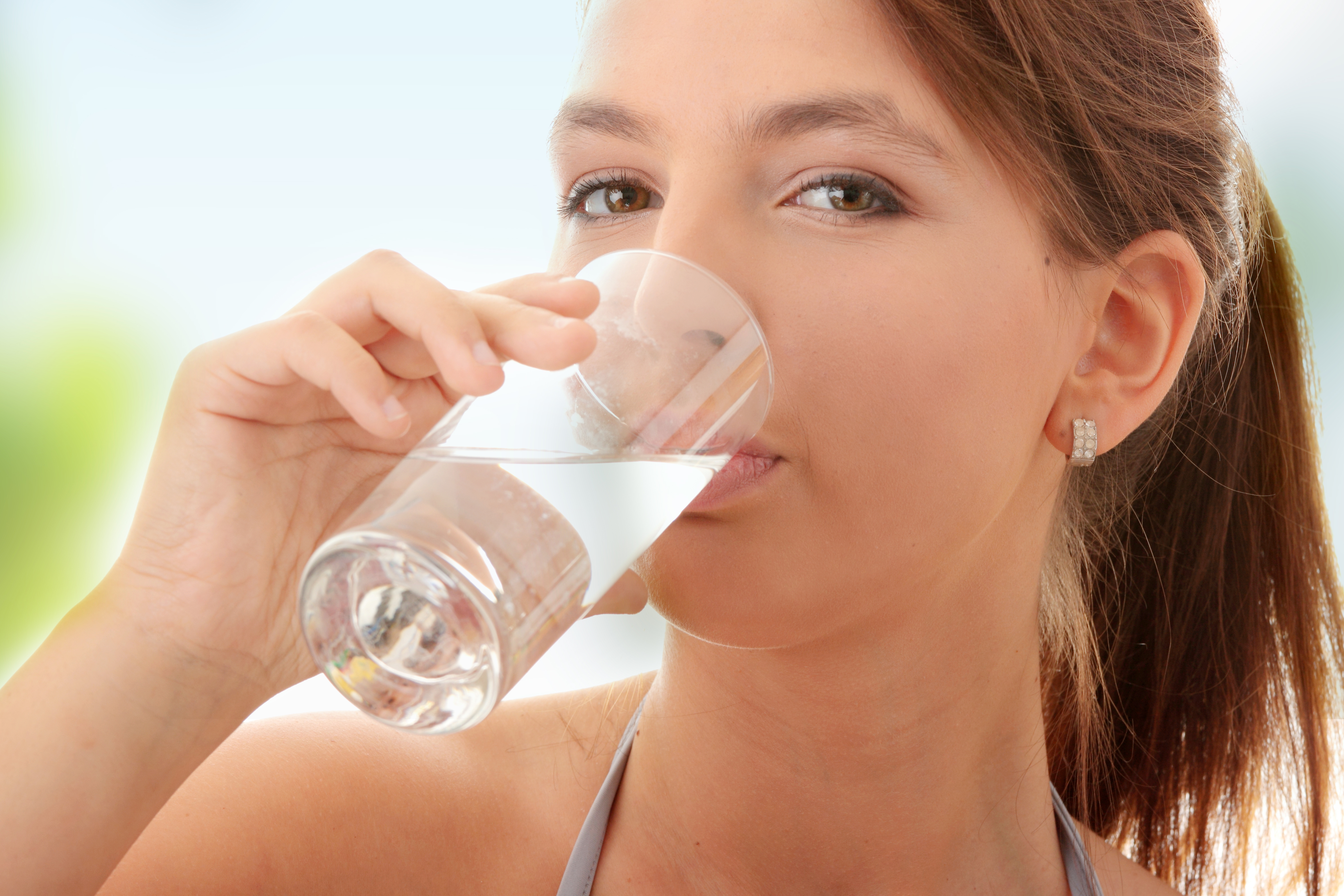 Drink Water to Keep Your Stomach Full