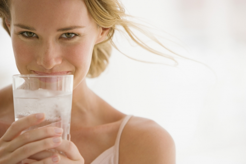 Drinking lots of water to lose weight